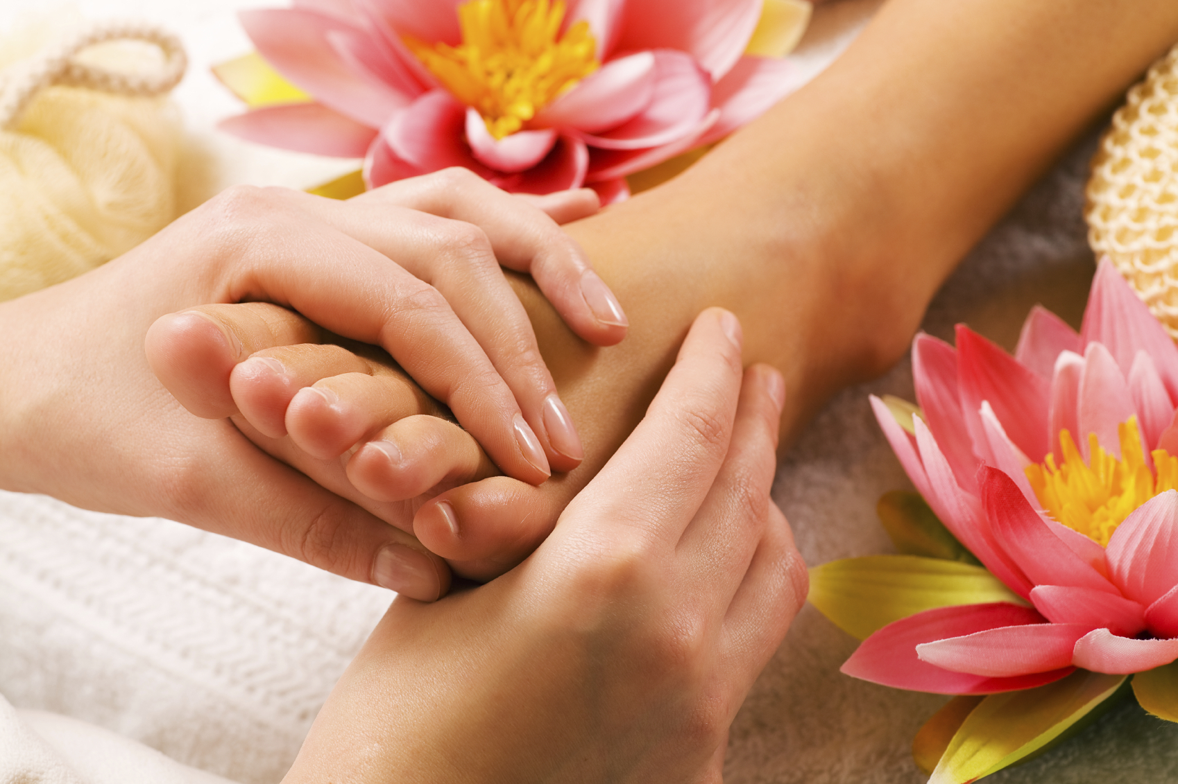 how to become a reflexologist